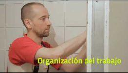 ASIGNATURAS Y SALIDAS LABORALES DE LA FORMACIÓN A DISTANCIA DE SOLADOR ALICATADOR: VÍDEO INFORMATIVO
